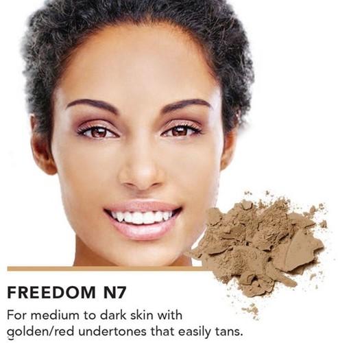 INIKA Baked Mineral Foundation Powder - Freedom Voor medium tot donkere huidteint die makkelijk bruint door de zon
